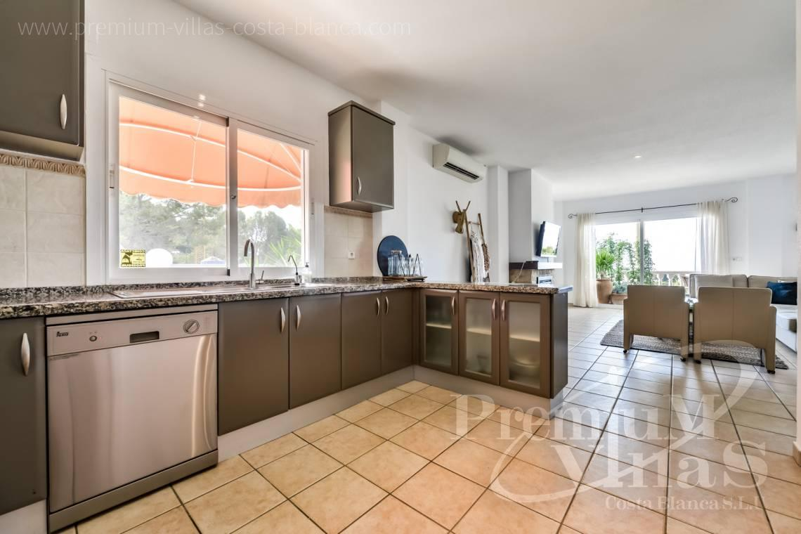 - C2439 - Sea view villa with spacious guest apartment in Altea 15