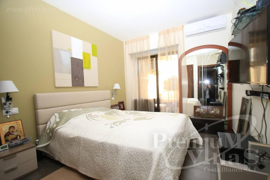- A0506 - Front line apartment with 2 terraces in Mascarat with great sea view 11
