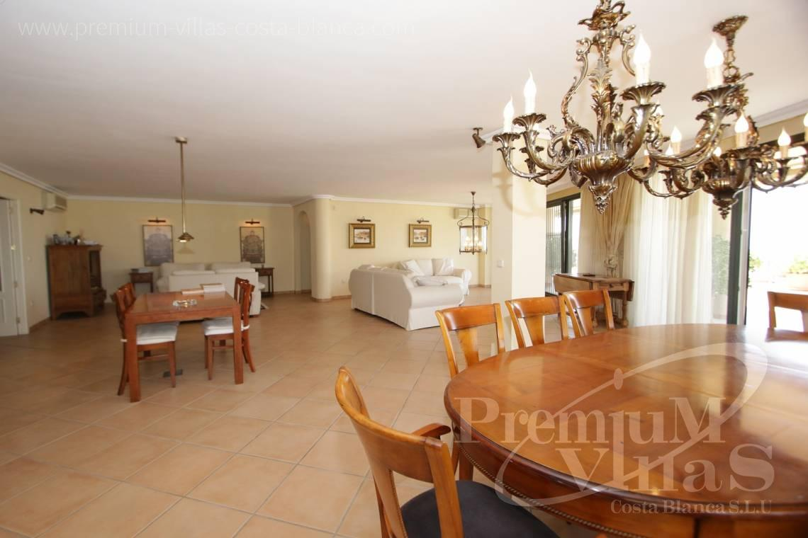 - A0527 - Very spacious apartment with a 162 sqm terrace and fantastic sea views 11