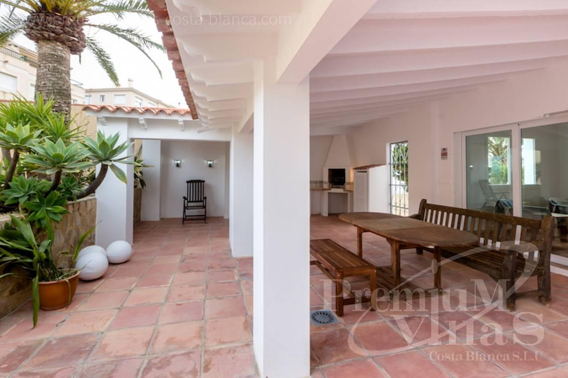 - C2210 - Albir: Completely renovated villa with stunning mountain views. 26