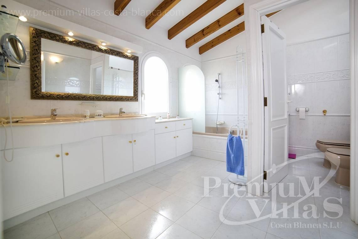 - C2028 - Beautiful and spacious villa with sea and mountain views 15