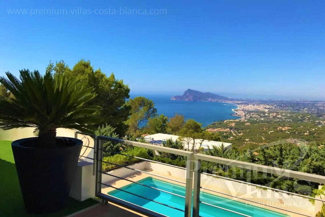 Buy house villa property Altea Hills Costa Blanca - C2204 - Fascinating 5 bedroom luxury villa in Altea Hills. 2