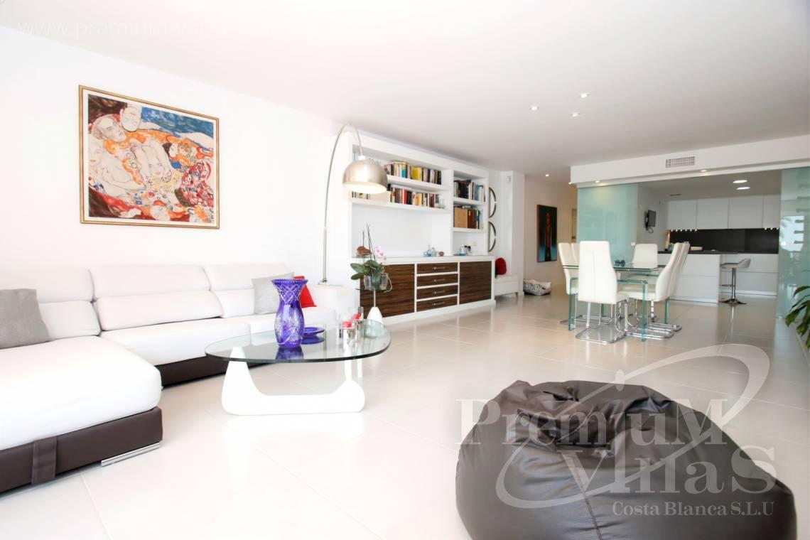 - A0592 - Amazing duplex in Marina Greenwich (Campomanes) with sea views. 2