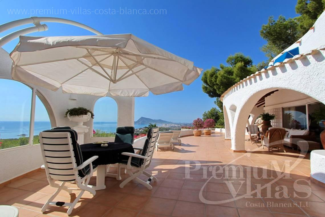 C2012 - Villa with magnificent sea views and 100% privacy 3