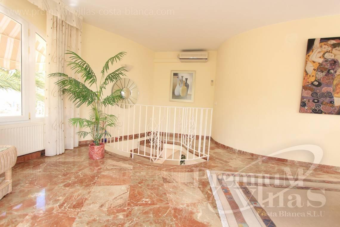 C1984 - Villa for sale close to the beach with a guest apartment and nice sea view 7