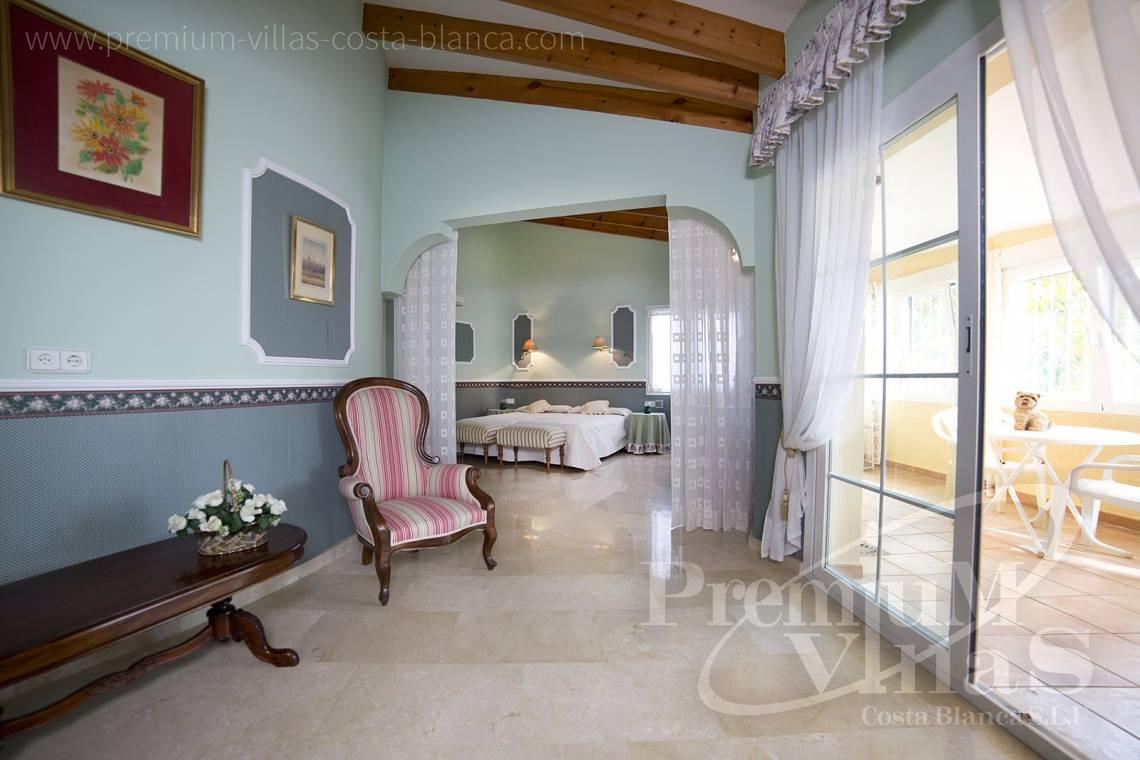 - C2028 - Beautiful and spacious villa with sea and mountain views 14