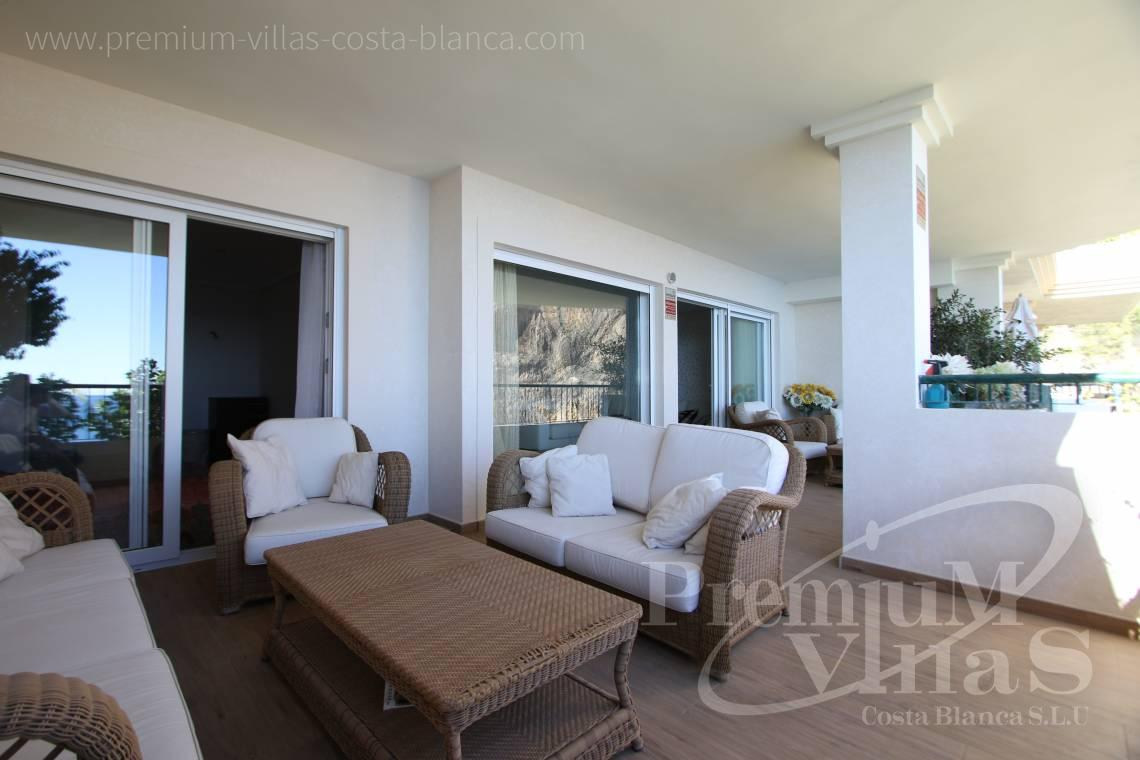 - A0531 - Oasis Beach: Luxurious apartment on the first line of the sea with 2 bedrooms 13