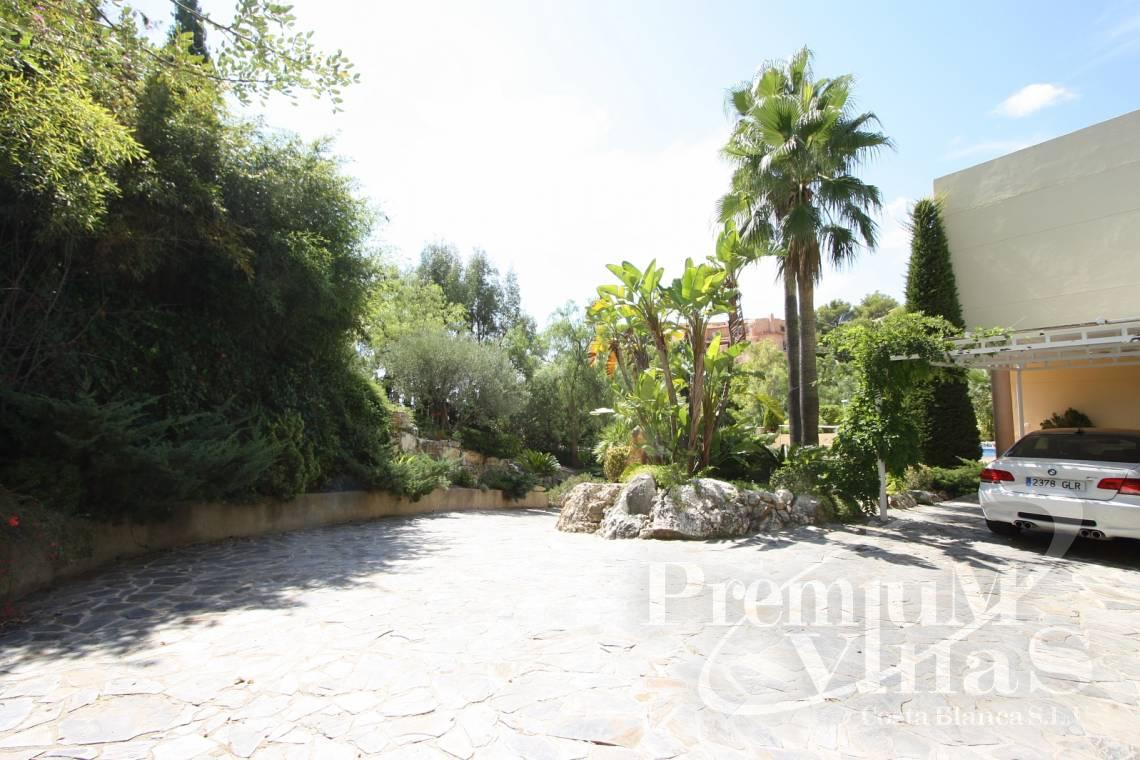 - C1179 - Villa at the golf course Don Cayo in Altea with sea views. 4