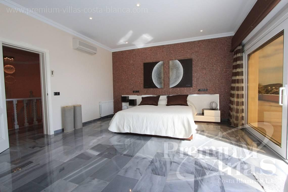 - C1589 - Magnificent mansion on the sea front in Moraira 22