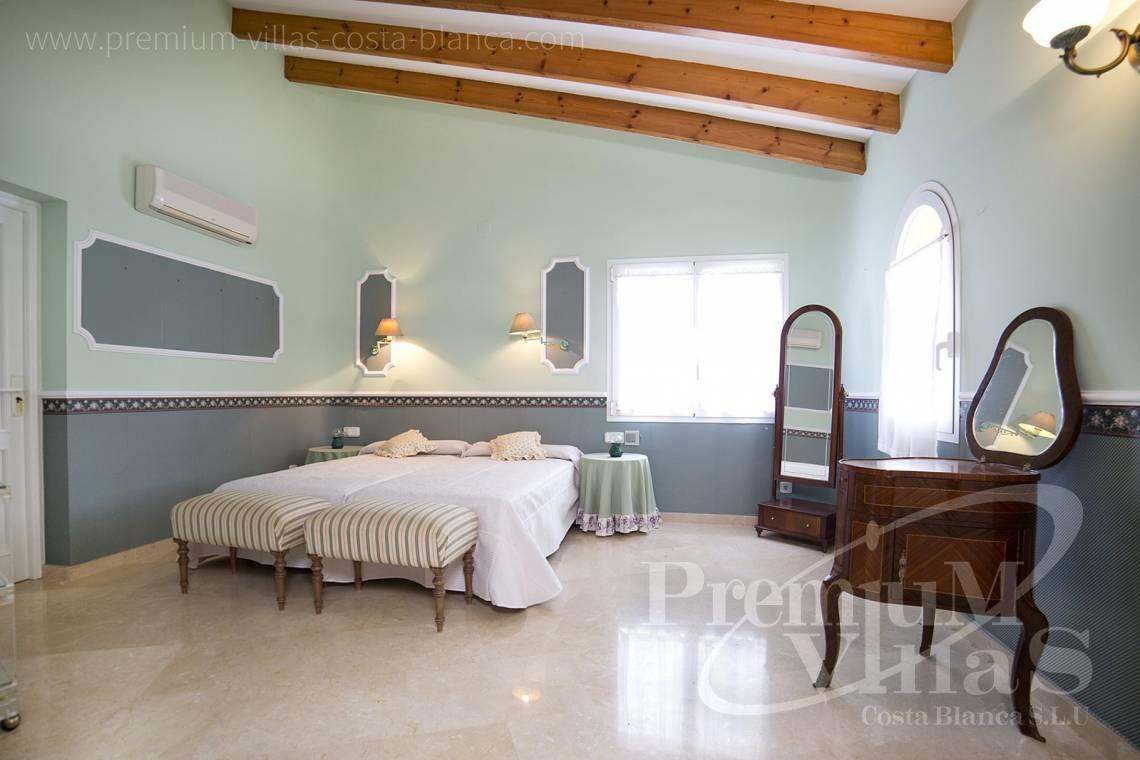 - C2028 - Beautiful and spacious villa with sea and mountain views 10