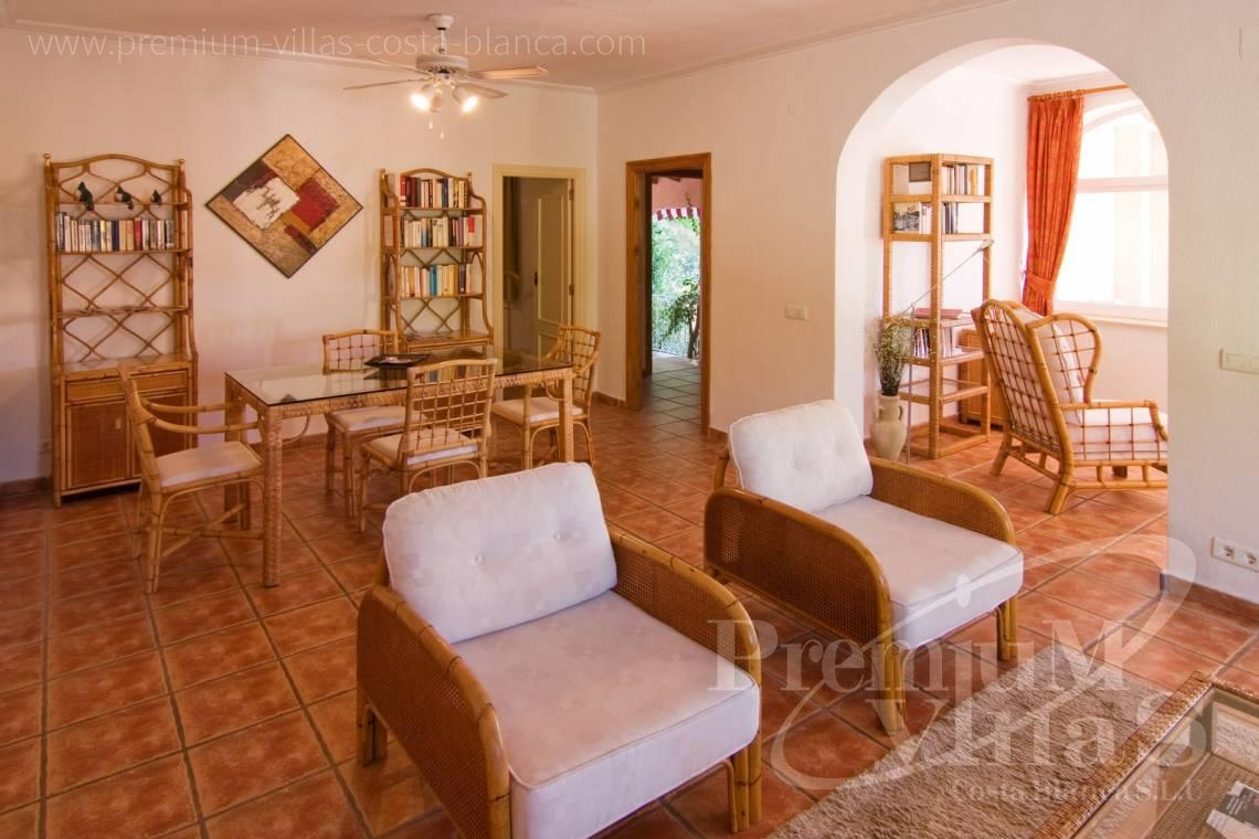 - C2129 - Privately located villa with sea view and beautiful garden in Altea 9