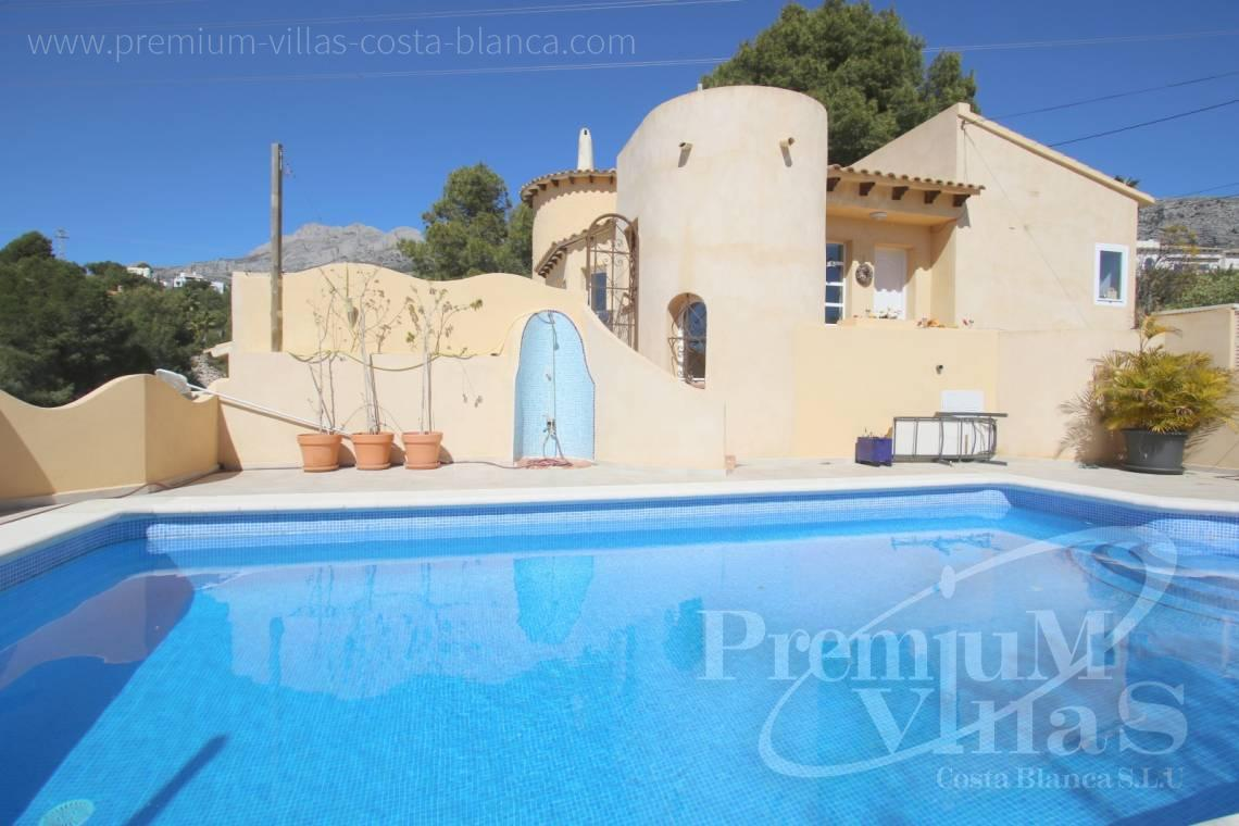 Villas with private swimming pool in Altea Costa Blanca - C2052 - Mediterranean villa for sale with modern interior 3
