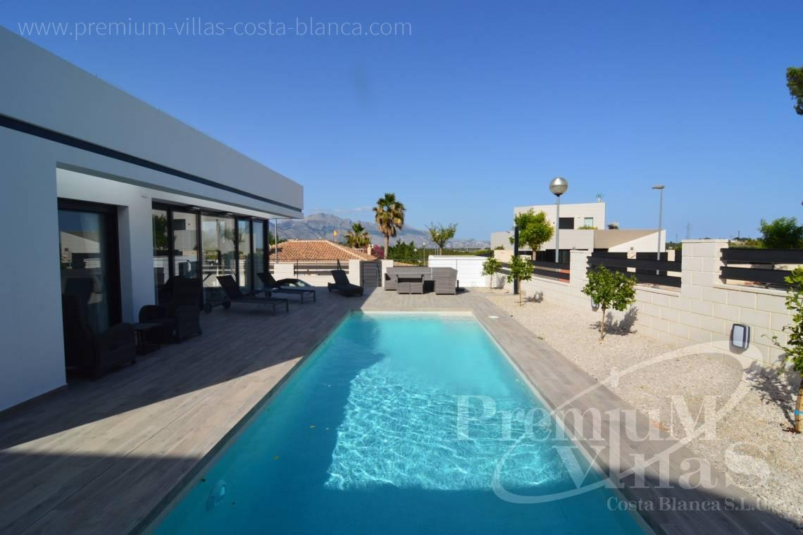 - C1903 - Modern villa with private pool and nice mountain view in Polop 6