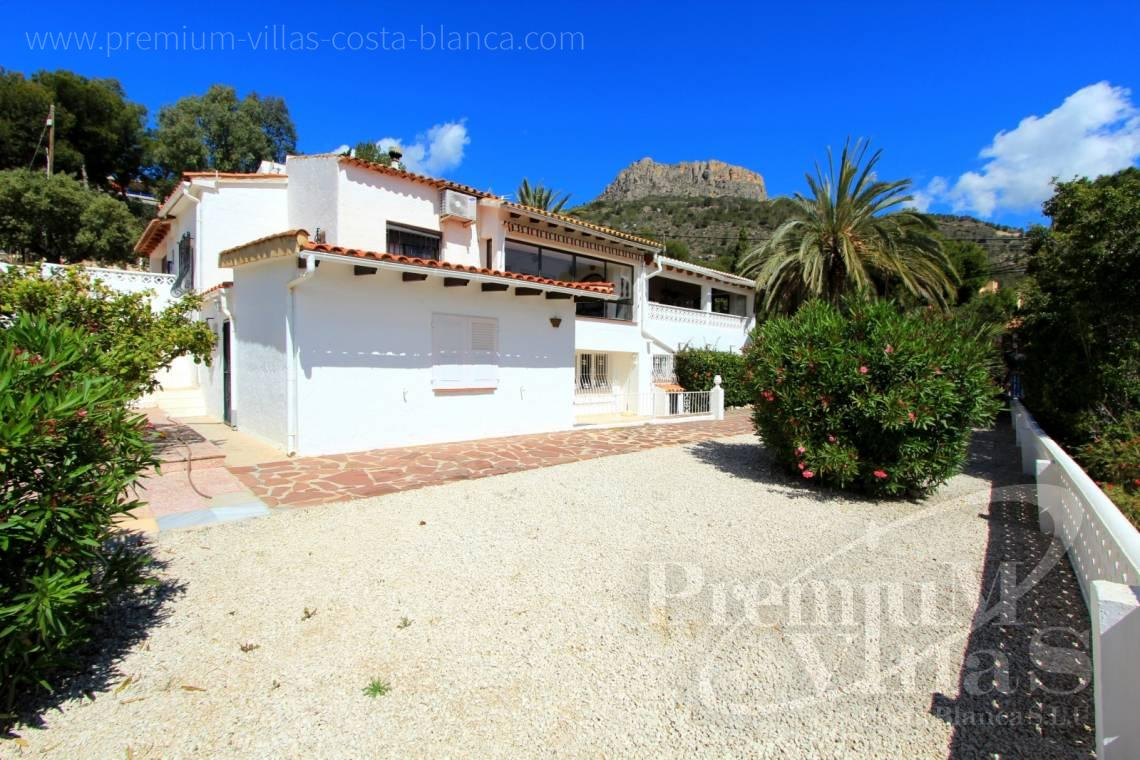 House villa for sale Calpe Costa Blanca - C1952 - House with a flat plot and lots of potential close to the sea and with sea views 1