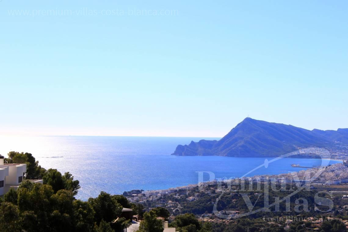 buy property Costa Blanca Spain - C2214 - Corner bungalow with panoramic sea and mountain views 2