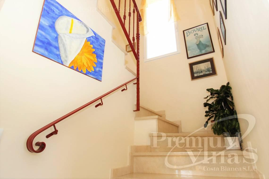 - C2183 - Villa in central urbanization of Calpe close to the beaches and all amenities 24