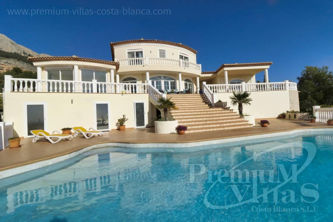 Buy luxury villa near the marina Campomanes in Altea - C2251 - Luxury villa in prime location in Altea 4