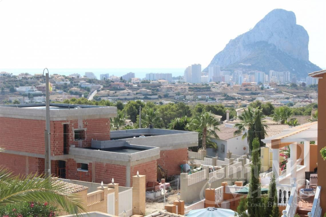House villa for sale Calpe Costa Blanca - C2215 - Villa in Calpe with 4 bedrooms, just 5 minutes from the beach, shops and restaurants. 2