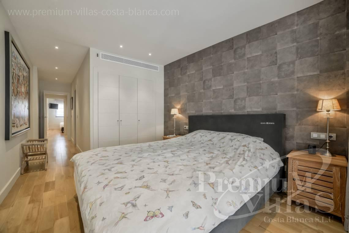 - A0606 - Seafront apartment in residential Mascarat Beach 10