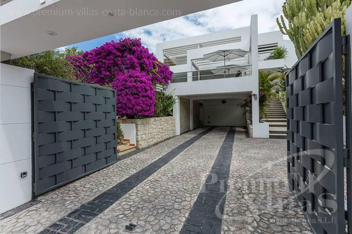 - C1765 - Modern villa at the golf course in Altea with panoramic views 34