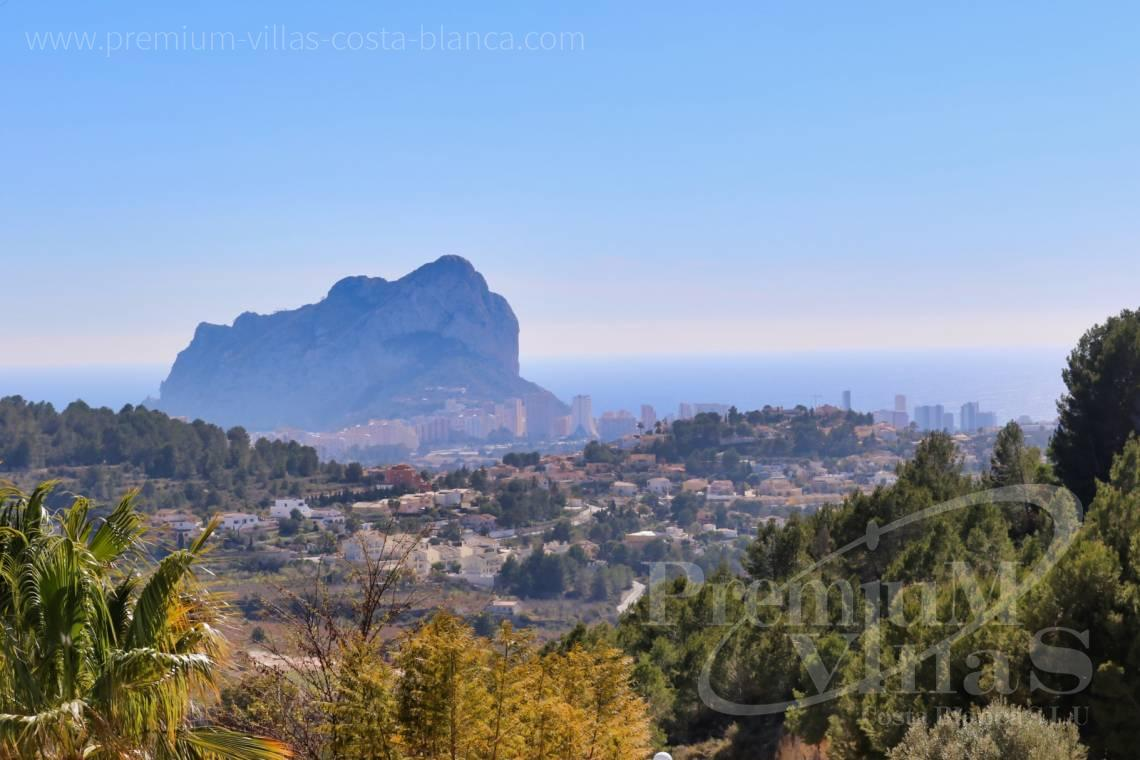 Buy a villa with sea views in Calpe Spain - C2042 - Modern villa for sale in Calpe with nice sea views 2