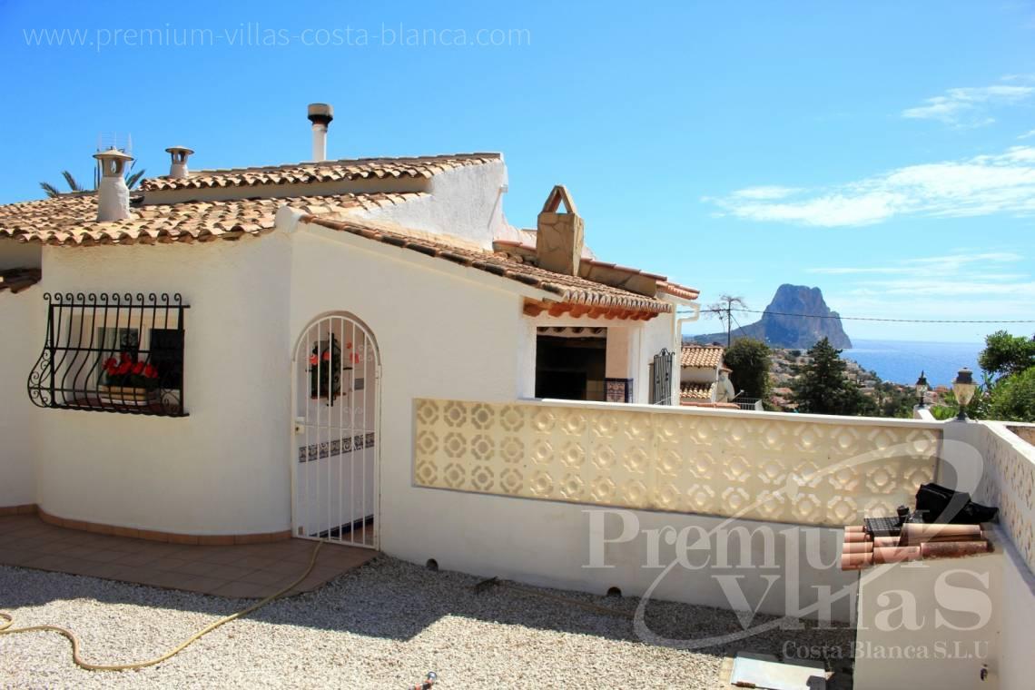 Buying a house with sea views in Calpe Costa Blanca - C1952 - House with a flat plot and lots of potential close to the sea and with sea views 2