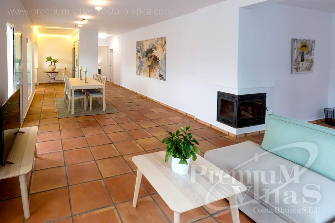 - C2210 - Albir: Completely renovated villa with stunning mountain views. 14
