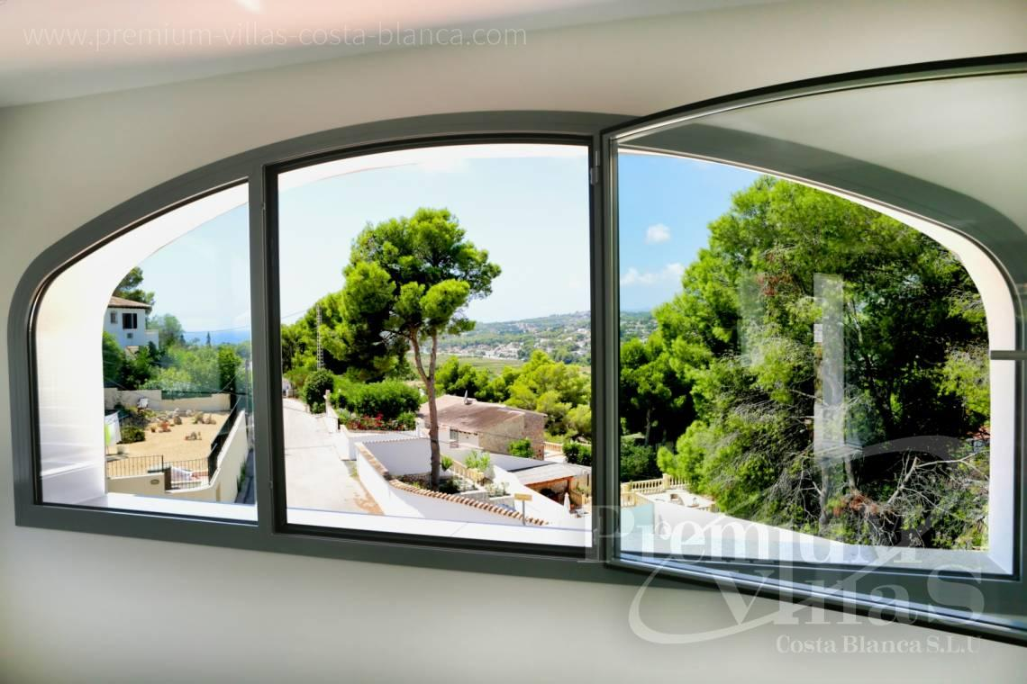 - C2451 - Modern house with sea views in Moraira 9
