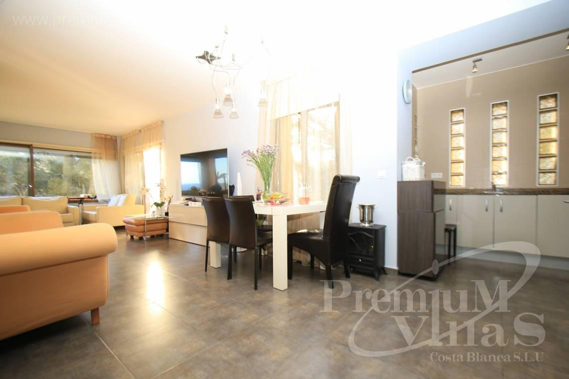- A0506 - Front line apartment with 2 terraces in Mascarat with great sea view 6