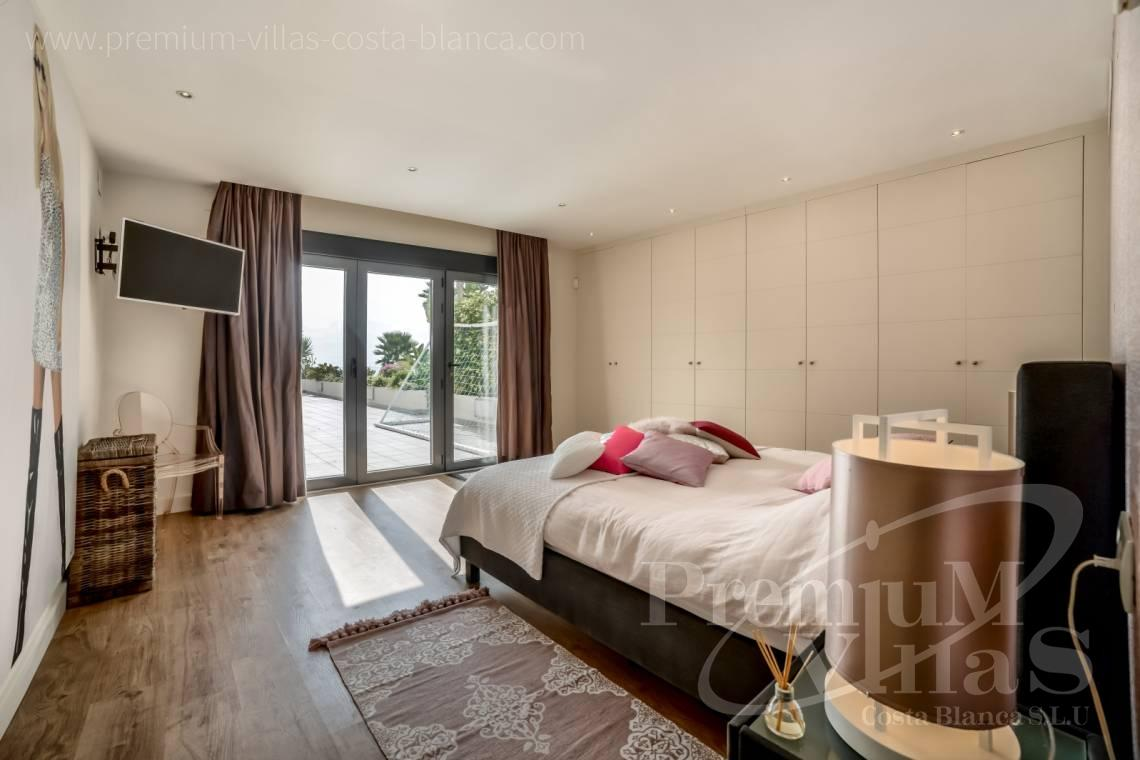- A0607 - 5 bedroom luxury apartment in residential Mascarat Beach 23