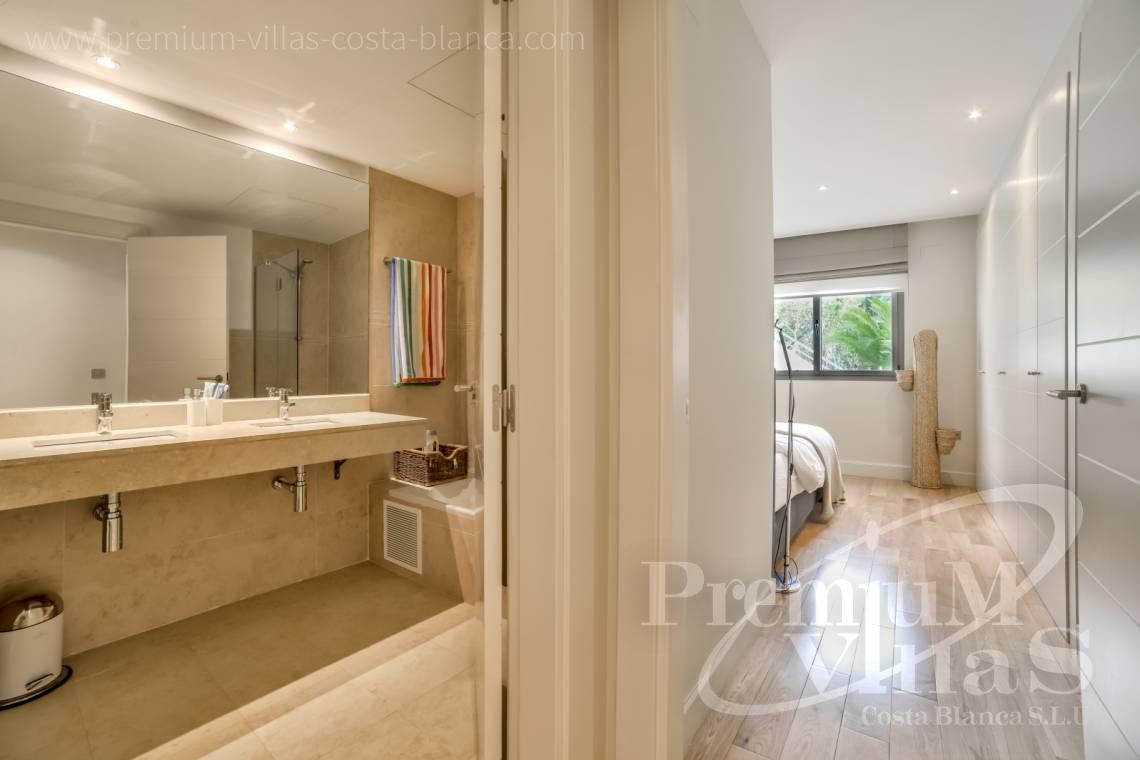 - A0607 - 5 bedroom luxury apartment in residential Mascarat Beach 22