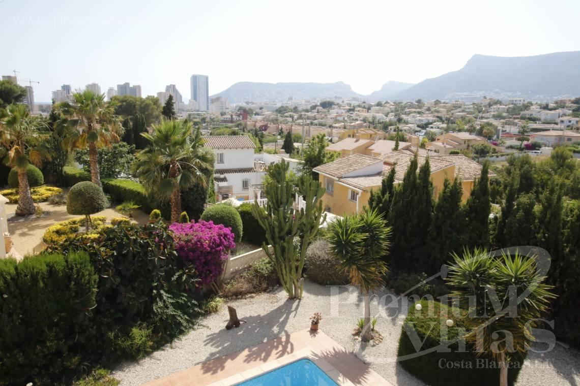 House villa for sale Calpe Costa Blanca - C2183 - Villa in central urbanization of Calpe close to the beaches and all amenities 3