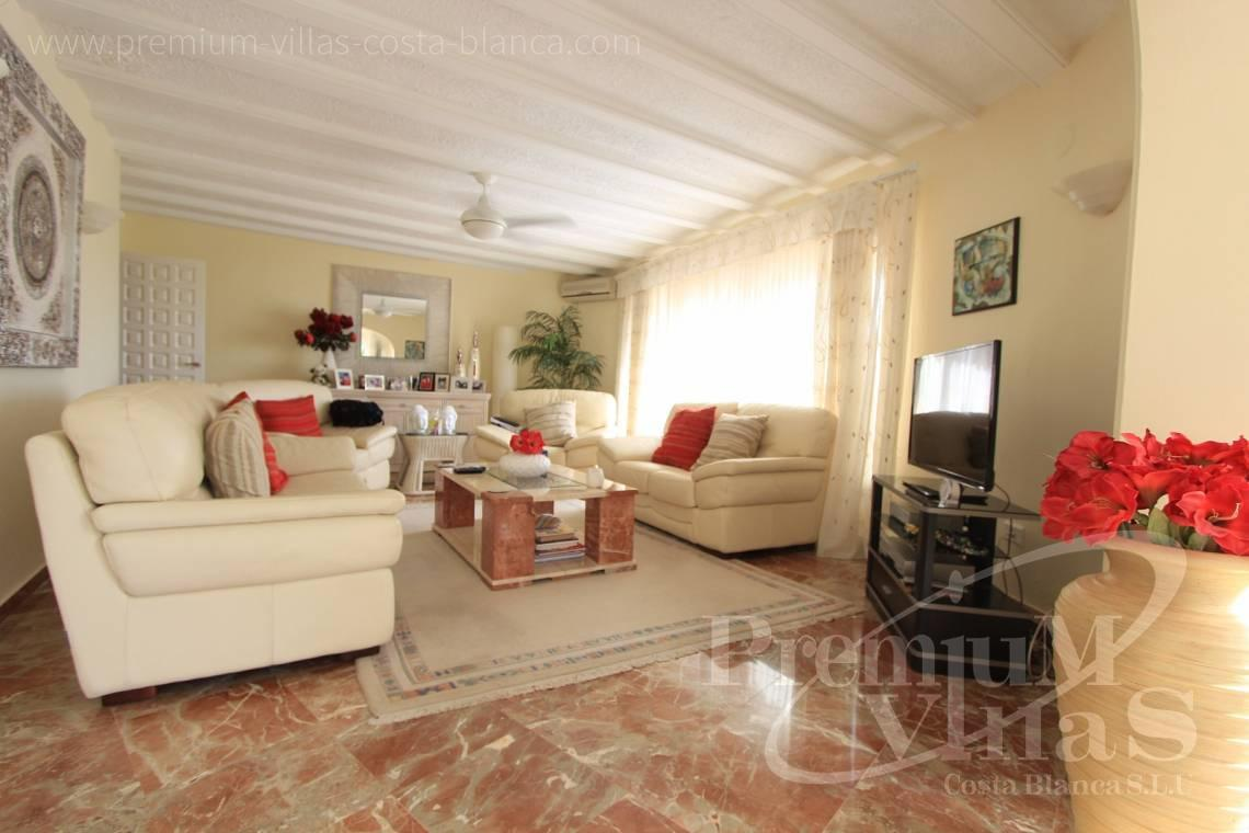 C1984 - Villa for sale close to the beach with a guest apartment and nice sea view 9