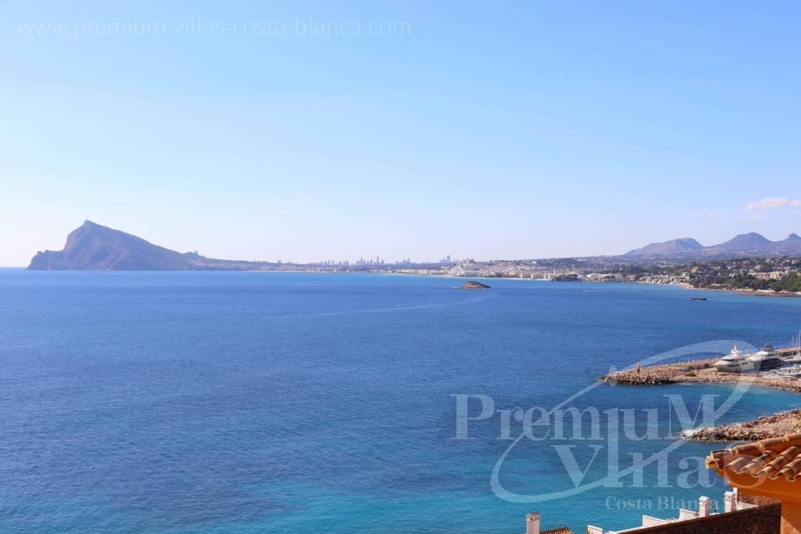 - A0585 - Penthouse with 4 bedrooms, completely renovated with spectacular terrace and stunning sea views 16