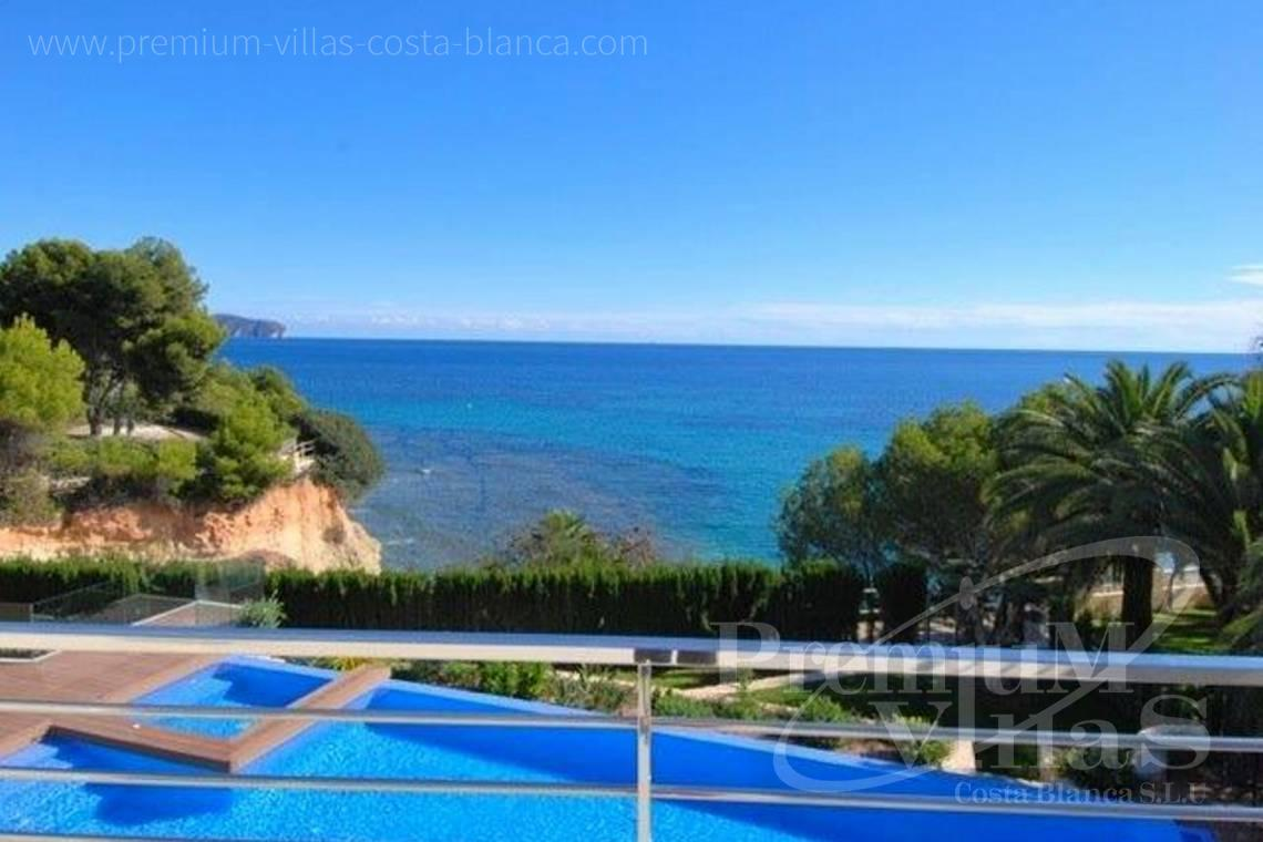 Buy villas houses sea view Calpe Costa Blanca - C1645 - 1st sea line: Modern luxury villa with access to the beach in Calpe 4