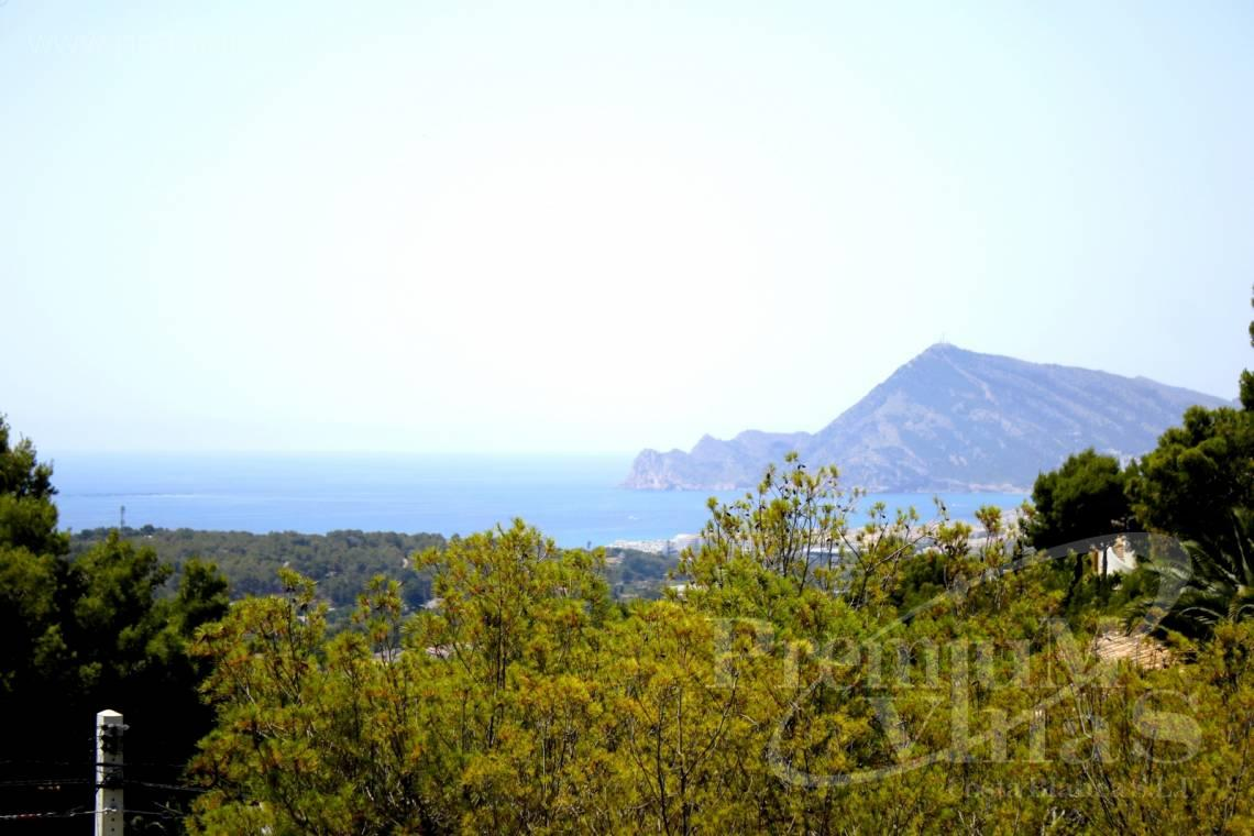 Villas for sale with sea views in Altea - C2157 - Huge villa in Altea very close to Don Cayo Golf Course 4