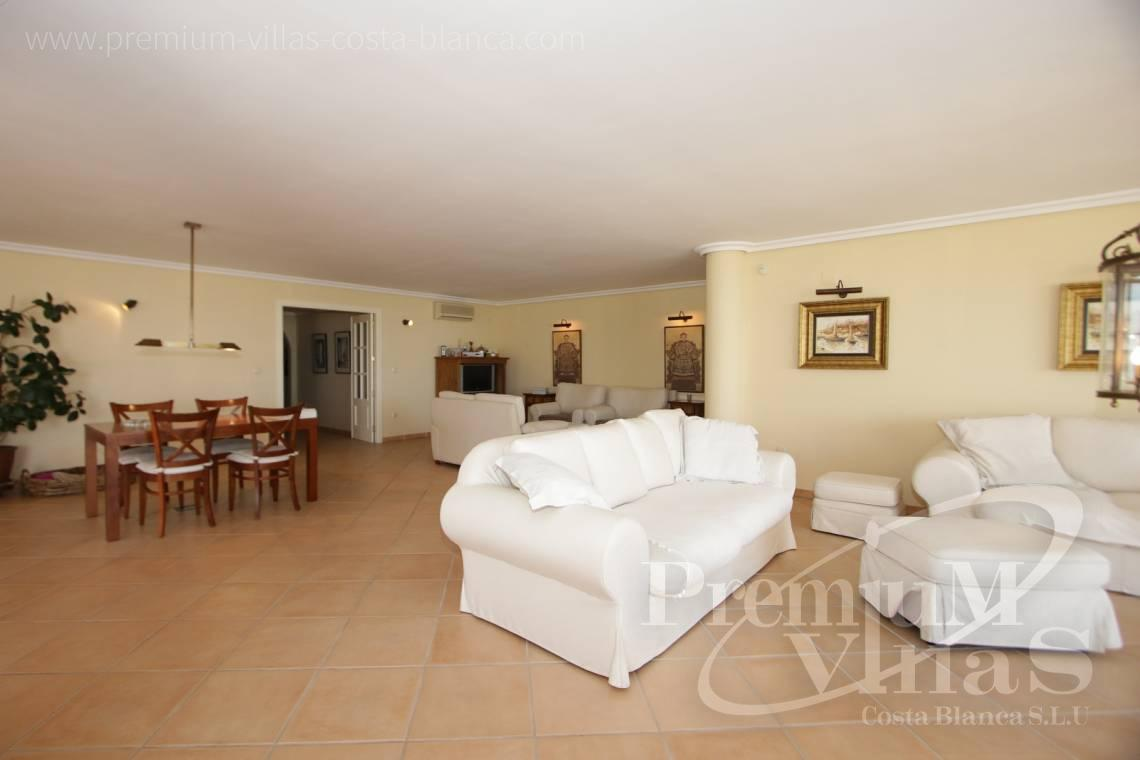 - A0527 - Very spacious apartment with a 162 sqm terrace and fantastic sea views 10