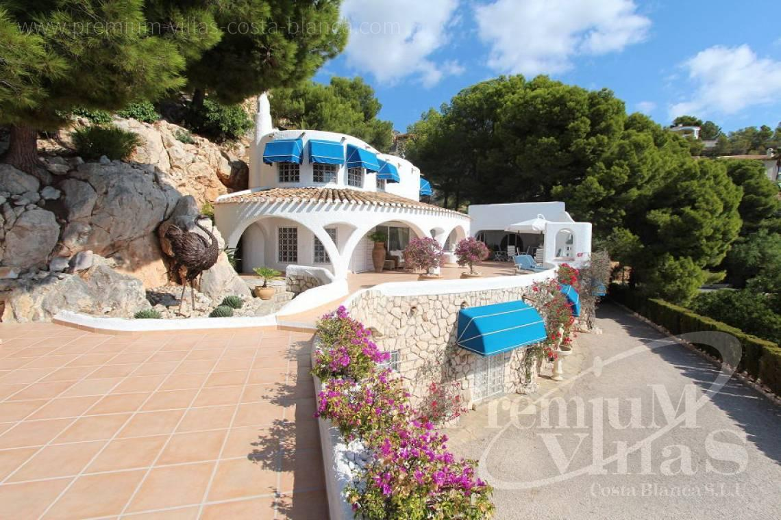 C2012 - Villa with magnificent sea views and 100% privacy 6
