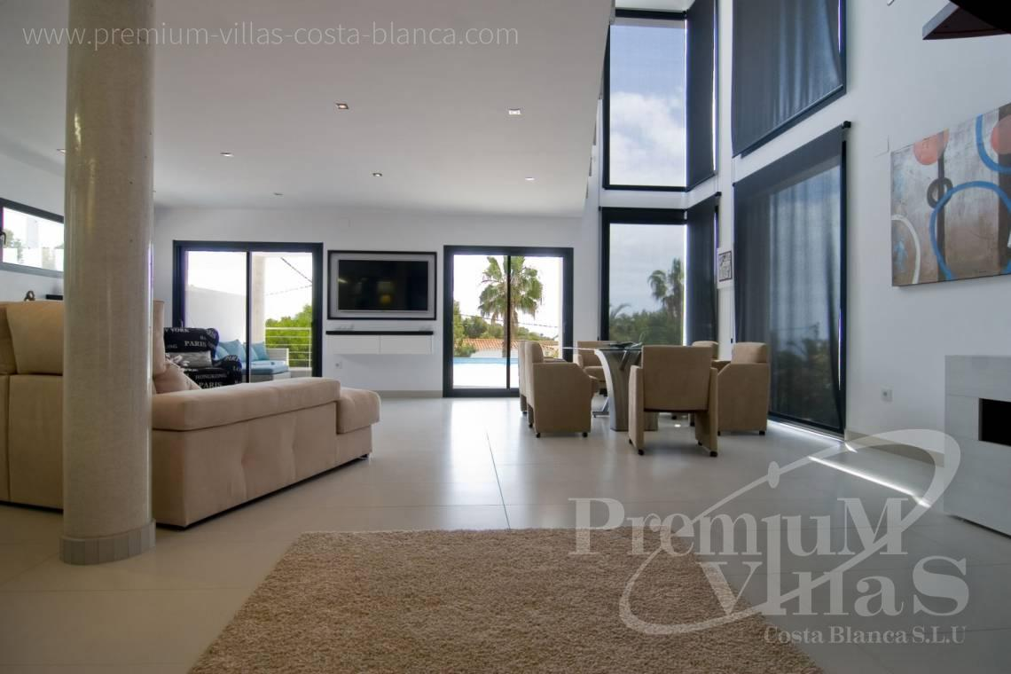 - C2002 - Modern villa for sale near the sea 10