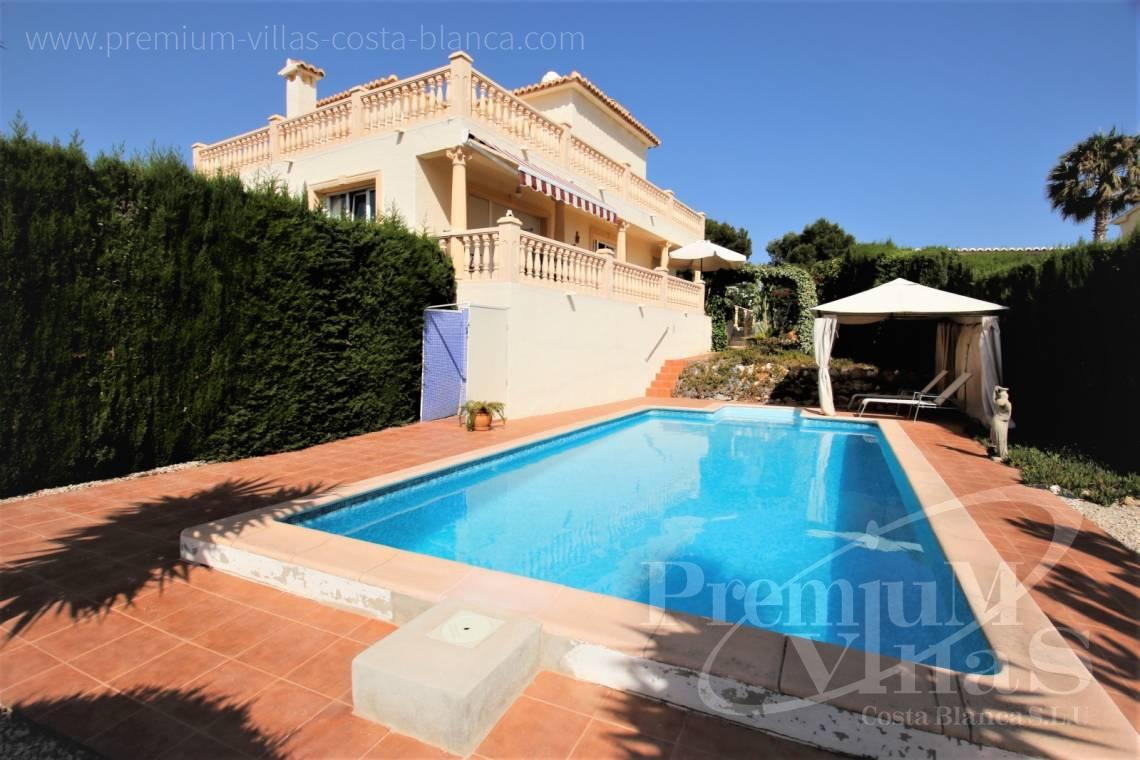 House villa for sale Calpe Costa Blanca - C2183 - Villa in central urbanization of Calpe close to the beaches and all amenities 2