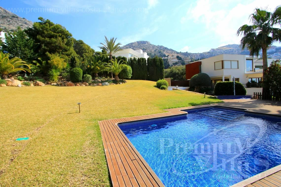 Buy house villa property Altea Hills Costa Blanca - C1899 - Stunning villa on a double plot with fantastic sea views in Altea Hills! 6
