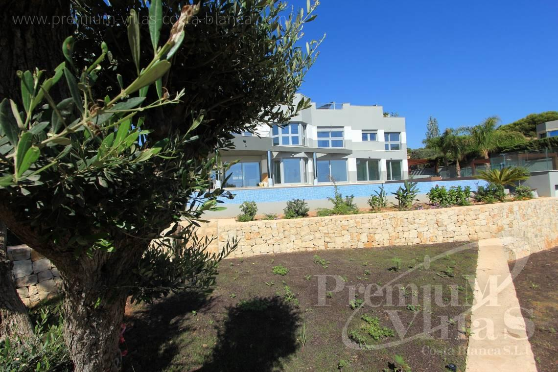 5 bedrooms house villa for sale Calpe Costa Blanca - C1645 - 1st sea line: Modern luxury villa with access to the beach in Calpe 3