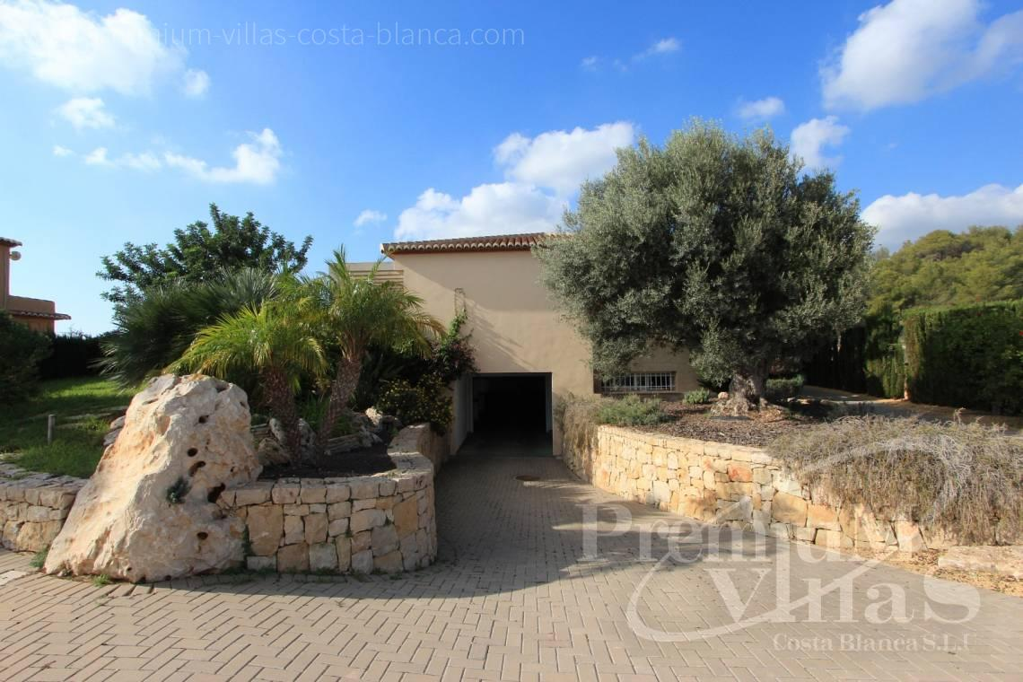 - C1700 - Spacious villa in Calpe for sale near the center 5