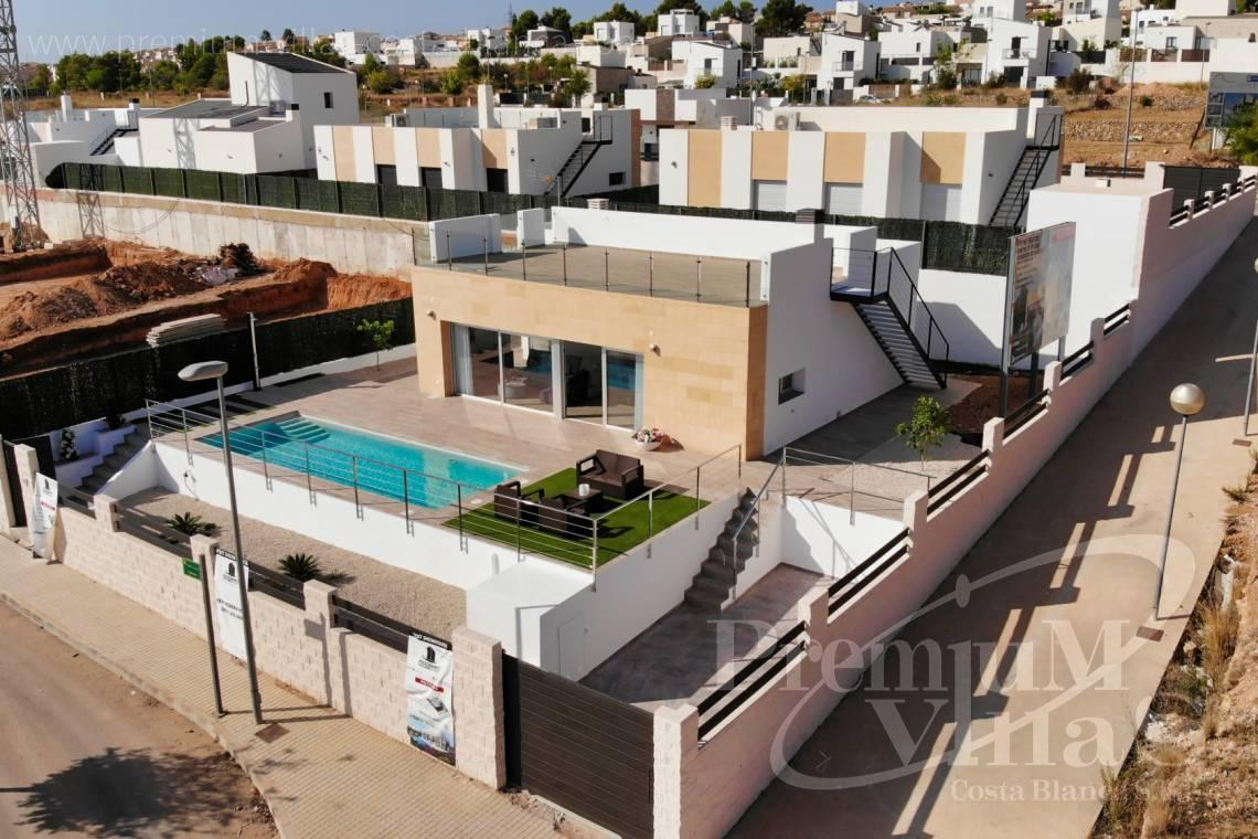 Modern one level villa for sale in Polop Spain - C1903 - Modern villa with private pool and beautiful mountain views in Polop 4