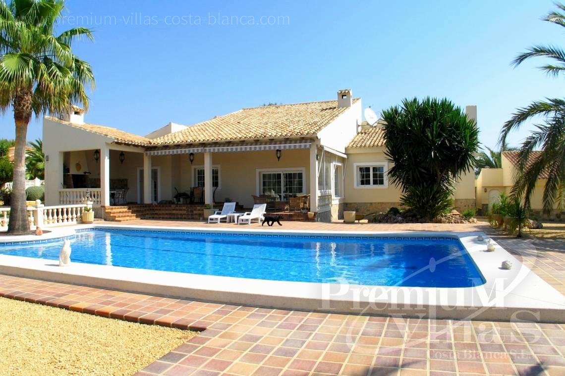 Buy villa house la Nucia Costa Blanca - C1075 - Villa set on a flat plot of 4500sqm close to supermarkets 1