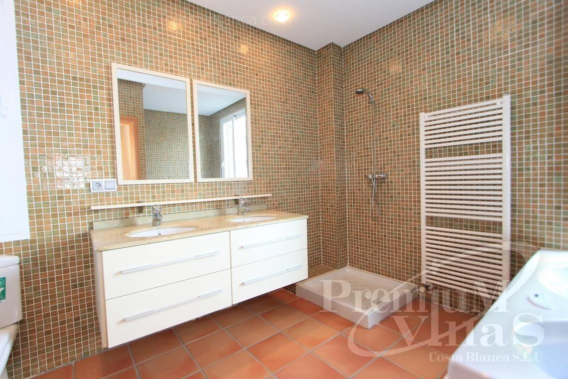 - C1700 - Spacious villa in Calpe for sale near the center 20