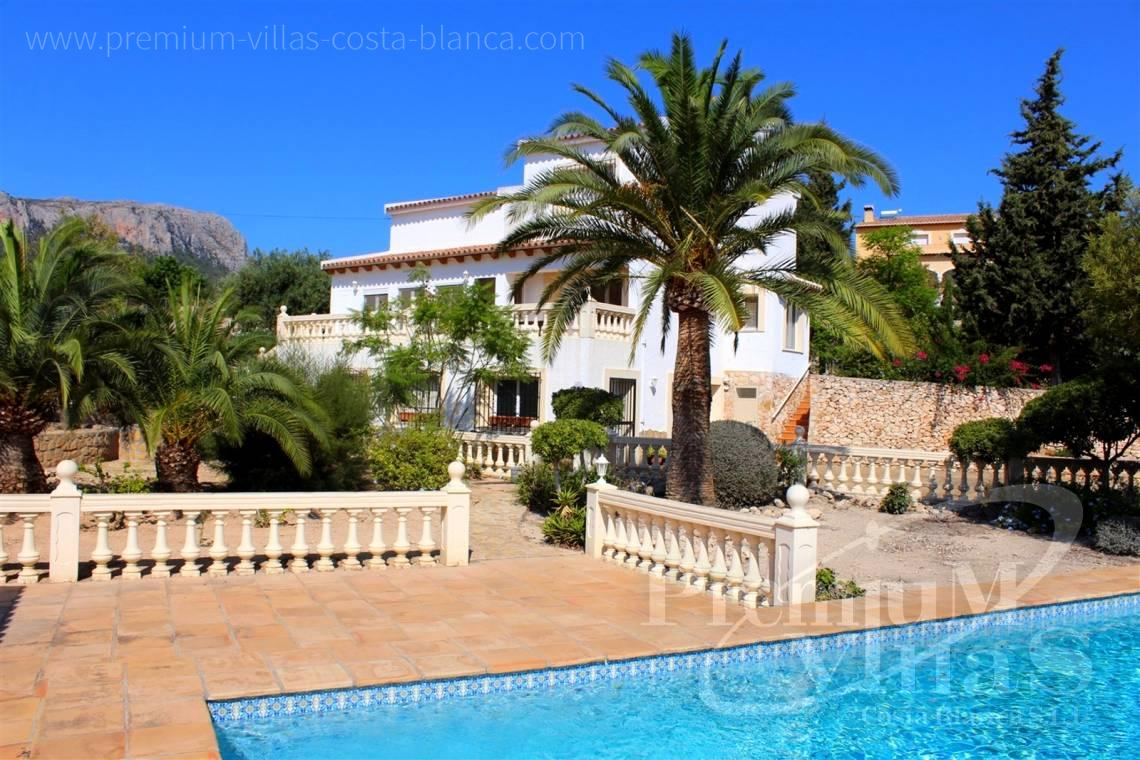 House villa for sale Calpe Costa Blanca - C2215 - Villa in Calpe with 4 bedrooms, just 5 minutes from the beach, shops and restaurants. 1