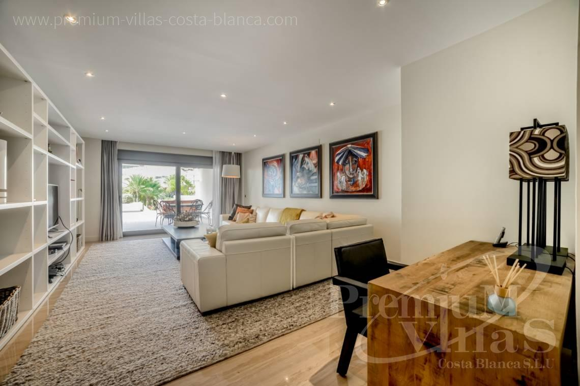 - A0606 - Seafront apartment in residential Mascarat Beach 14