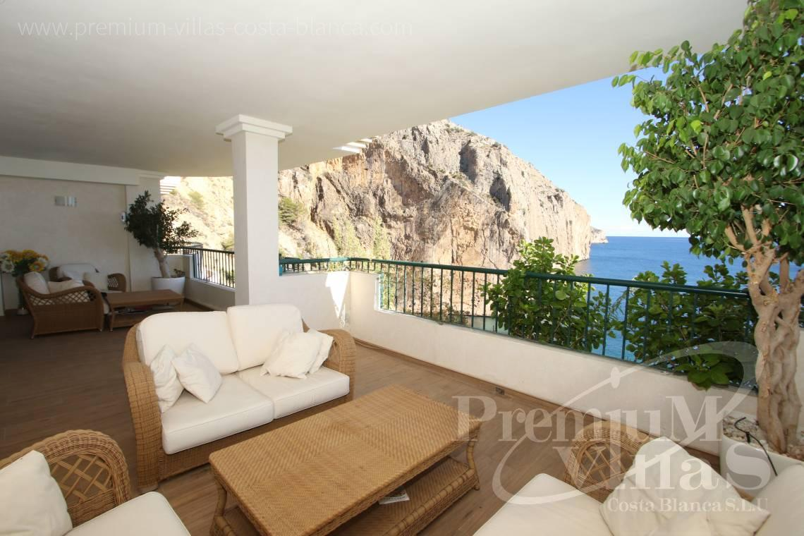 - A0531 - Oasis Beach: Luxurious apartment on the first line of the sea with 2 bedrooms 1