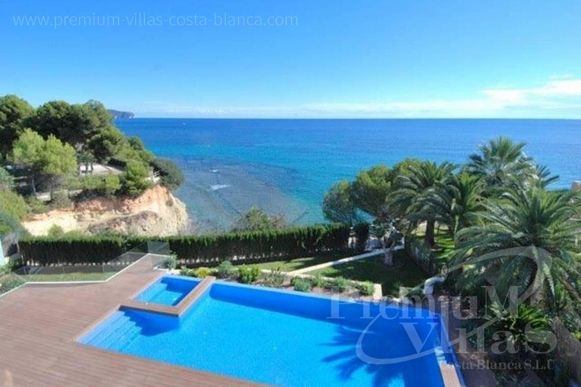 front line villa for sale in Calpe Costa Blanca Spain - C1645 - 1st sea line: Modern luxury villa with access to the beach in Calpe 1